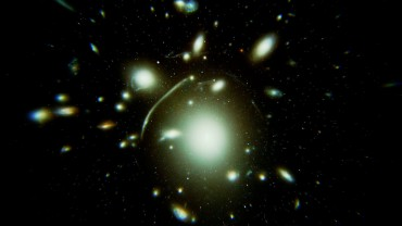 Chasing Einstein - A graphical depiction of gravitational lensing